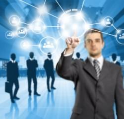 Managing user data: The Hybrid Method